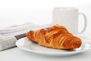 הגדילו את היתרונות הבריאותיים של התעמלות על ידי אימון לפני ארוחת הבוקר