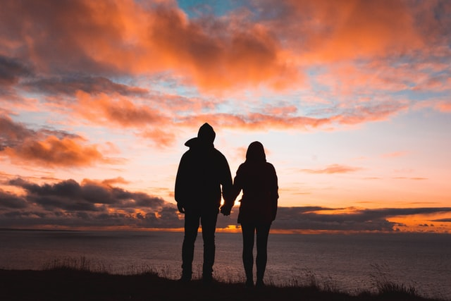 כיצד לתקן קשר ללא מין: פתרונות לזוגות